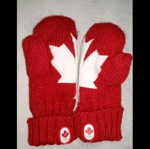 Team Canada Flag Mittens